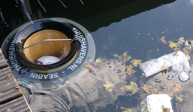 Pływający kosz na śmieci trafił do Gdańska