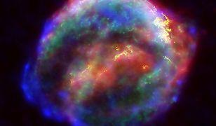 """Mgławica pyłu po eksplozji """"Gwiazdy Keplera"""""""