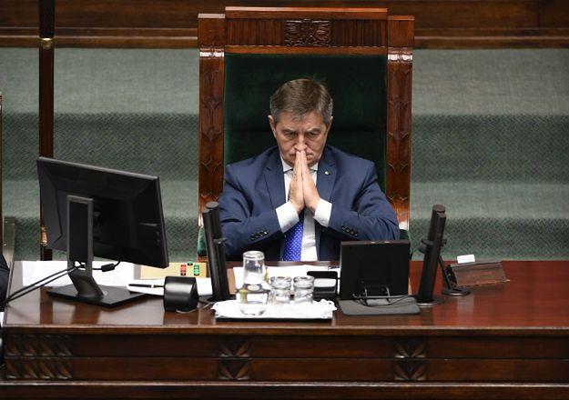 Marszałek Sejmu Marek Kuchciński przyznał swoim zastępcom premie. Po 13 tys. zł