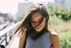 Peeling skóry głowy. Jakie przynosi efekty i w jaki sposób go wykonać?