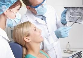 Pacjenci zza granicy chętnie przyjeżdżają</br>leczyć u nas zęby