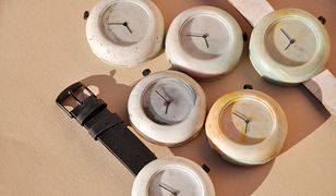 Zegarek z plastikowych nakrętek. Powstaje w Polsce