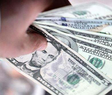 Dolar rekordowo tani. Podwyżki stóp w USA mogą go jednak umocnić