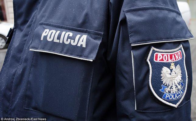 Policjant został uderzony m.in. w głowę i klatkę piersiową