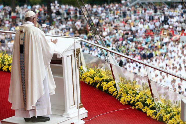 Kilkaset tysięcy wiernych. Papież na Jasnej Górze