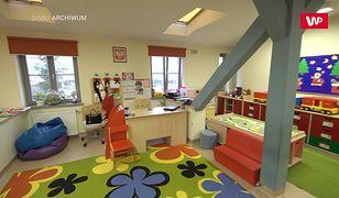 Koronawirus w Polsce. Wracają przedszkola i żłobki. Niedługo otwarcie szkół. Lekarz przestrzega
