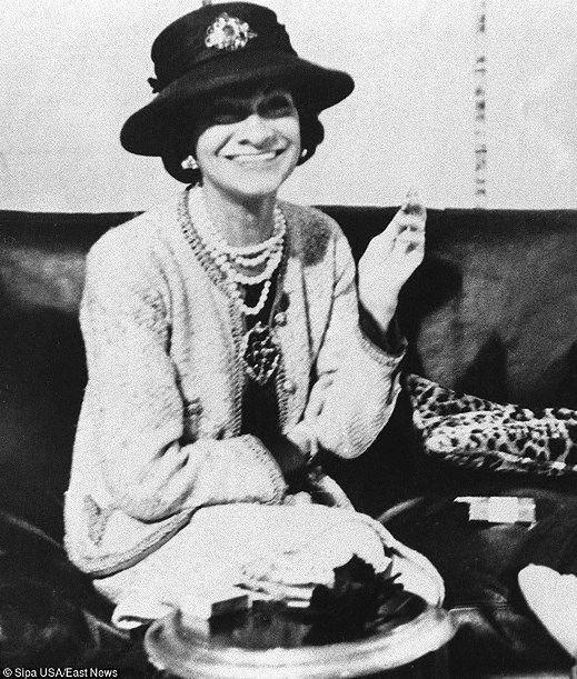 Coco Chanel - to ona dała kobietom golfy