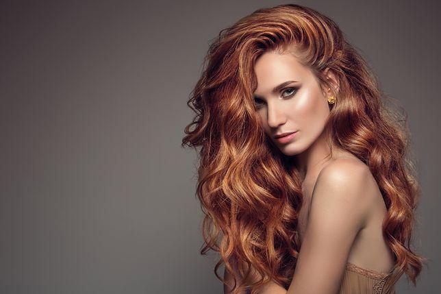 Najmodniejsze kolory włosów. Nowa fryzura w pięknym odcieniu