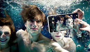 Xperia ZR kręci filmy Full HD 1,5 metra pod wodą