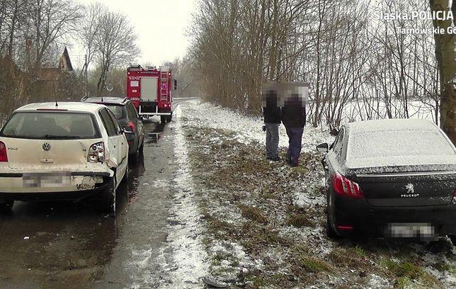 Śląskie. 37-letnią kobietę, która wysiadła z samochodu w Świerklańcu potrąciły inne, które nie zdążyły wyhamować.
