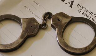 W Ostrowie Wielkopolskim zatrzymano 5 osób, które próbowały wymusić 350 tys. zł haraczu od lokalnego biznesmena