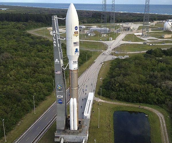 Rakieta Atlas V przed startem
