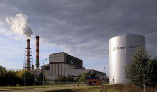 Awaria w elektrowni w Ostrołęce. Wielkie plamy oleju na rzece Narwi.