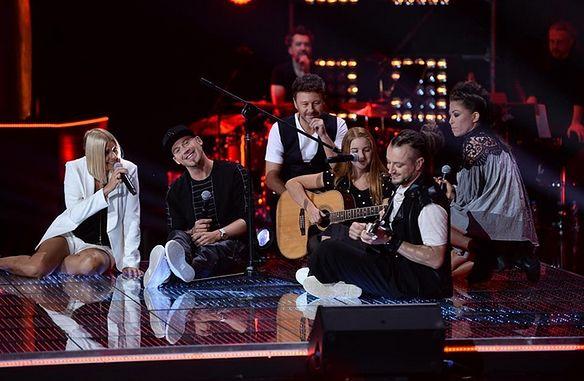 """Mimo że to już dziesiąta edycja """"The Voice of Poland"""", wciąż budzi wśród widzów niesłabnące emocje"""