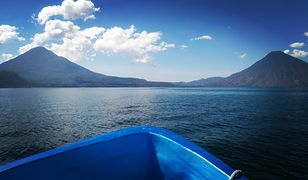 Lago de Atitlan to naturalne jezioro w południowo-zachodniej Gwatemali