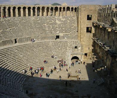Turcja: Aspendos - najwspanialszy teatr antyczny Azji Mniejszej