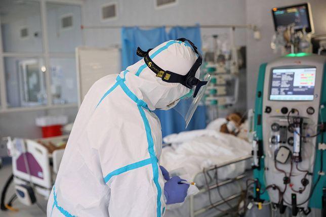 Koronawirus na świecie. Polacy będą musieli przejść obowiązkową kwarantannę po przyjeździe do Łotwy i Estonii