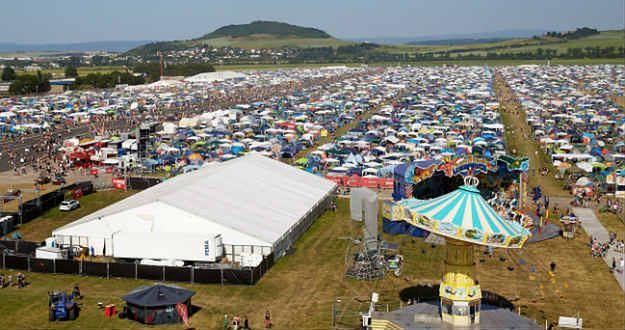 Festiwal, mimo incydentów, odbywa się zgodnie z planem i potrwa do niedzieli