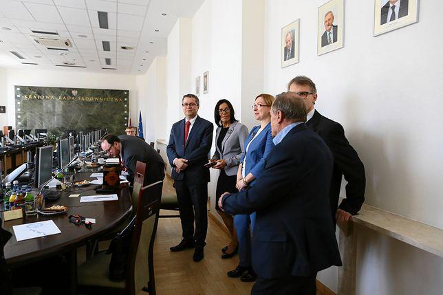 Teresa Karcyusz-Furmanik (druga od lewej) była adwokatem i sędzią wojewódzkiego sądu administracyjnego