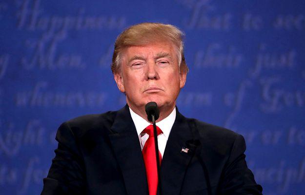 """Donald Trump upiera się, że """"wygrywa"""", choć niewiele wskazuje, że pokona Hillary Clinton"""