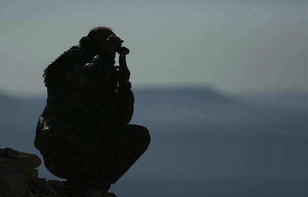 Wojna z tzw. Państwem Islamskim. Zjednoczone Emiraty Arabskie zgodziły się wysłać siły do Syrii. Wojsko sunnickie chce odbić ar-Rakkę