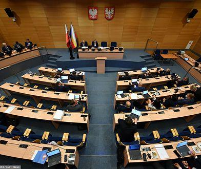 Małopolscy radni uchylili tzw. uchwałę anty-LGBT