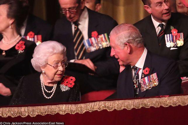 Książę Karol nie krył wzruszenia po przemowie mamy, królowej Elżbiety