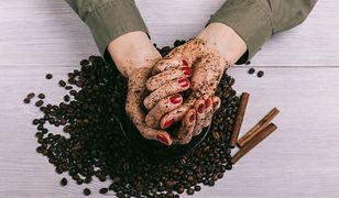 Scrub z kawy to tani i skuteczny kosmetyk do twarzy i ciała