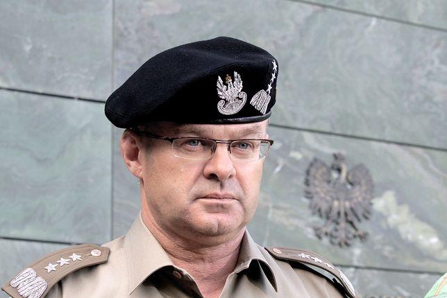 """Gen. Waldemar Skrzypczak tłumaczy, dlaczego Macierewicz jest nie do ruszenia. """"Ma żelazny elektorat"""""""