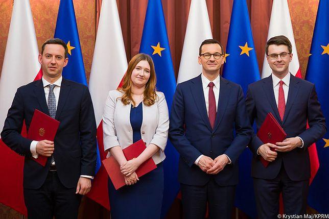 Rekonstrukcja rządu. Morawiecki awansuje młode zaplecze obozu władzy, Kaczyński godzi interesy [OPINIA]