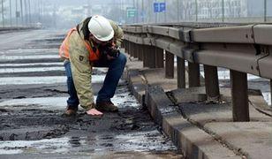 """Minął rok od pożaru mostu Łazienkowskiego. """"12 godzin gaszenia ognia"""""""