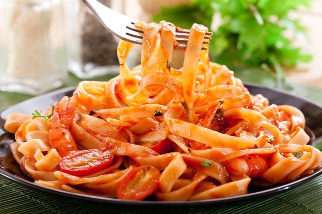 Sos pomidorowy bez siekania cebuli i długiego gotowania