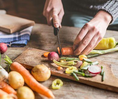 Po pierwsze: nie dojadaj. Naukowcy znaleźli darmowy sposób na wieczną młodość