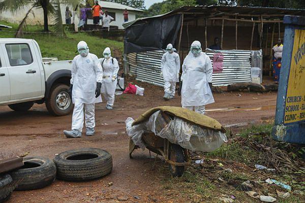 Eksperymentalnego leku na Ebolę wystarczy tylko dla dwóch lekarzy