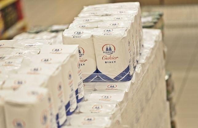 W ciągu 26 miesięcy średnie ceny kilograma cukru promowanego w sklepach spadły o prawie 32 proc.
