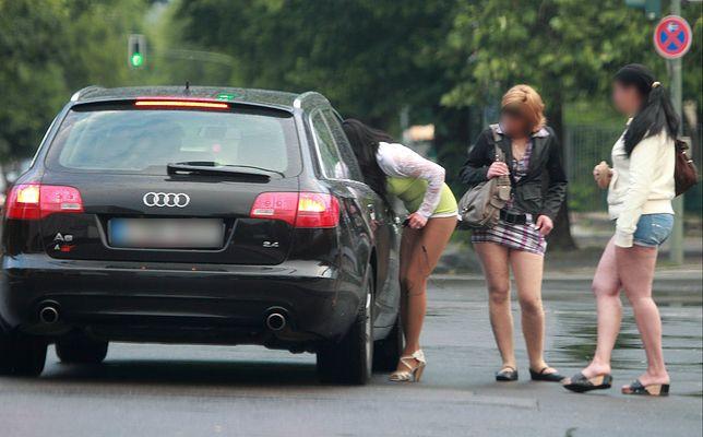"""""""Chcieliśmy uświadomić bezmiar piekła prostytucji"""". Magda i Piotr Mieśnik o książce """"Prostytutki"""""""