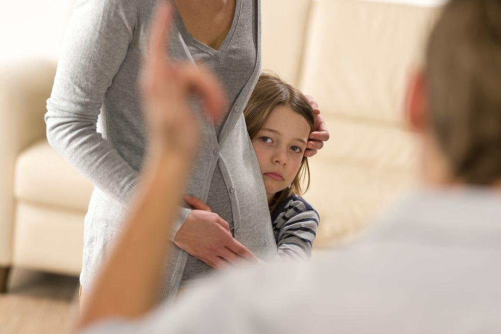 Nie każdy ojciec zasługuje na laurkę. Miesięcznie przybywa 650 dłużników alimentacyjnych