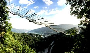 Najdłuższy na świecie most wiszący dla pieszych