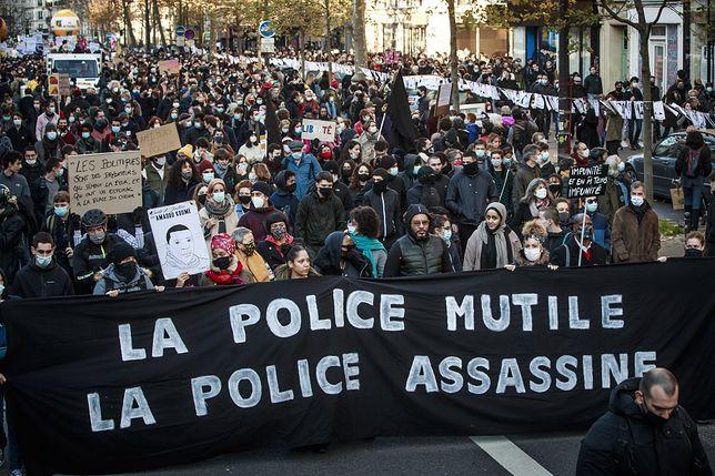 Francja. Paryż. Protest przeciwko brutalności policji
