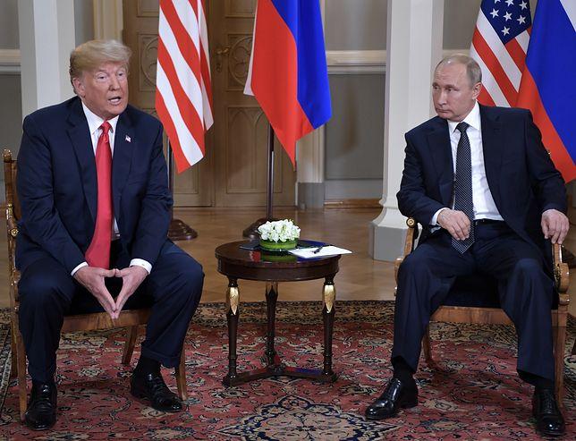 Donald Trump i Władimir Putin podczas szczytu w Helsinkach