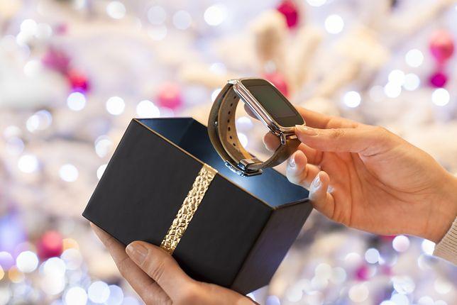 Smartwatche i smartbandy to doskonały pomysł na świąteczny prezent