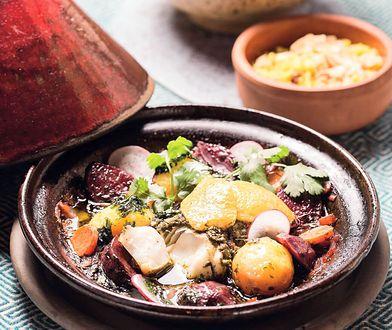 Tadżin to popularne w Maroku, gliniane naczynie do gotowania