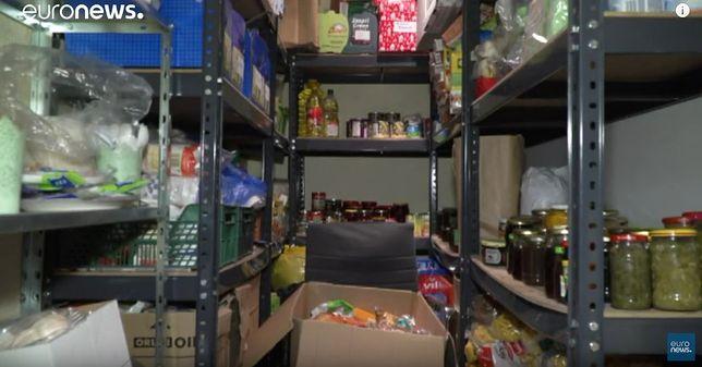 Telewizja Euronews przygotowała reportaż o jadłodzielniach. Zdaniem dziennikarzy punkty pozwalają przetrwać mrozy polskim bezdomnym