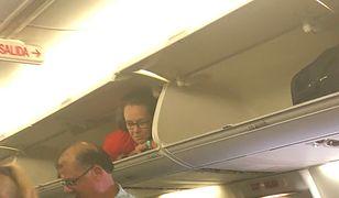 Pasażerka prosiła obsługę linii lotniczych o wyjaśnienia
