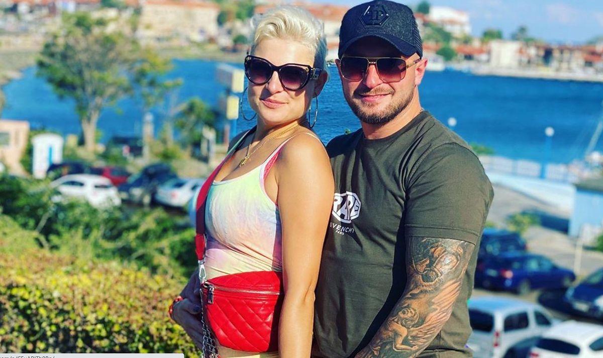 Magdalena Narożna wymienia czułości z nowym partnerem.