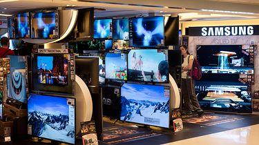 Samsung QD-OLED. Pierwsze prototypy nowych TV mają trafić do klientów wkrótce - fot. Miguel Candela/SOPA Images/LightRocket via Getty Images