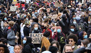 Tysiące ludzi wyszło w sobotę na ulice w ramach solidarności ze Stanami Zjednoczonymi po śmierci George'a Floyda