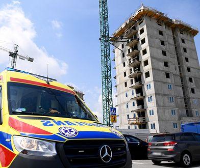 Rzeszów. Mężczyźni spadli z 11. piętra wieżowca. Wypadek na budowie