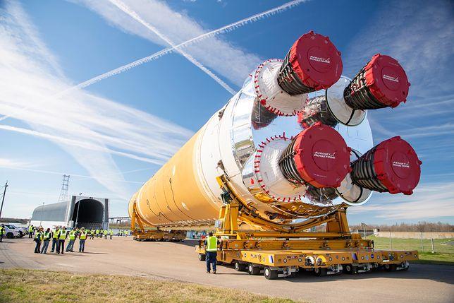 NASA ukończyła rdzeń rakiety SLS, która zabierze ludzi ponownie na Księżyc