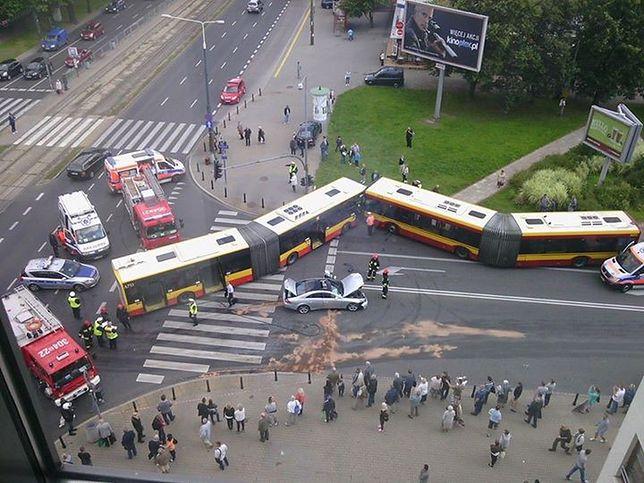 Czołowe zderzenie autobusów! Cztery osoby ranne